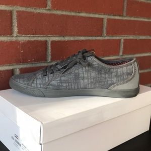 Grey Sneakers: Ben Sherman Style: Connell Lo.